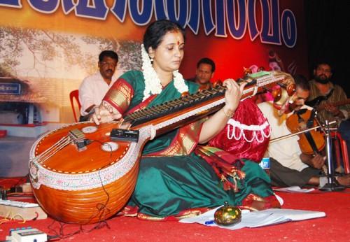 Performance at Vennala Temple