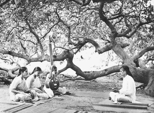 Sri.M.D.Ramanathan Taking Class